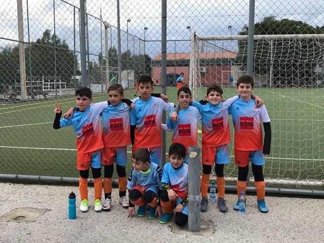 Τα παιδιά της ομάδας 2011 της Ακαδημίας Ποδοσφαίρου Φάρμα Χρύση Μιχαήλ μας δείχνουν το δρόμο! Video