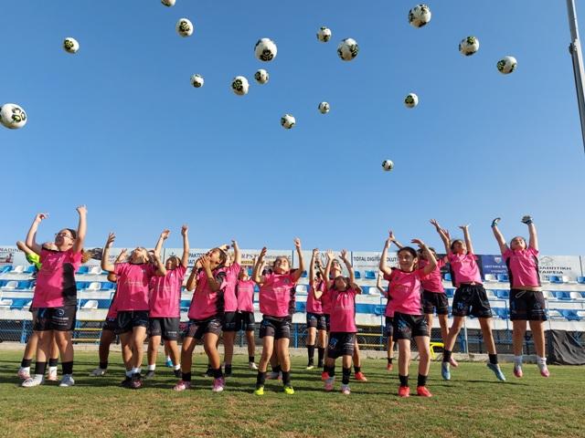 Video και Εικόνες από το Ποδοσφαιρικό ¨Εργοστάσιο¨ της ASPRAKIS Kids Football Academy